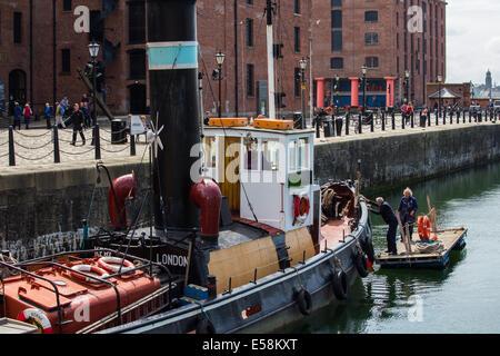 Tug Boat Quay à Hartley dans la ville de Liverpool Merseyside UK. Banque D'Images
