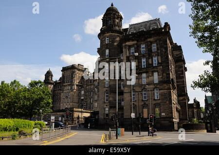 La Glasgow Royal Infirmary édifice médical à la fin de la rue Cathédrale, Écosse, Royaume-Uni, datant de 1914. Banque D'Images