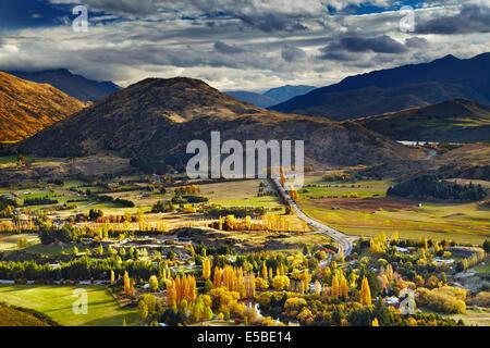 Paysage de montagne, près de Queenstown, Nouvelle-Zélande Banque D'Images