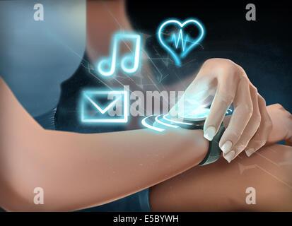 Illustration de femme portant montre-bracelet futuriste Banque D'Images