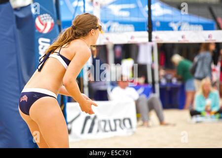 La compétition de volley-ball de plage @ Hermosa Beach. Banque D'Images