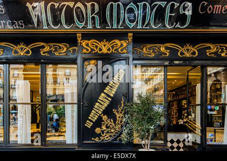 Le restaurant historique Victor Montes sur la Plaza Nueva, Bilbao, Pays Basque, Espagne Banque D'Images