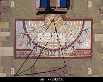 Cadran solaire à l'Ancien hôtel de ville de Würzburg, Allemagne Banque D'Images