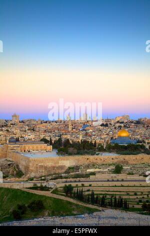 Vue sur Jérusalem depuis le mont des Oliviers, Jérusalem, Israël, Moyen Orient Banque D'Images