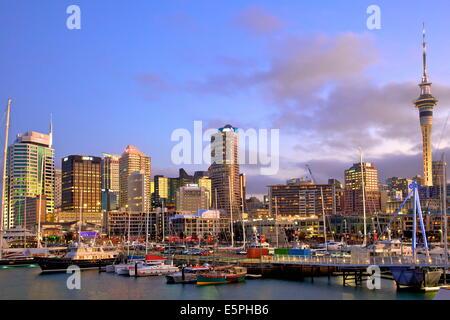 La Ville et le port d'Auckland, Auckland, île du Nord, Nouvelle-Zélande, Pacifique Banque D'Images