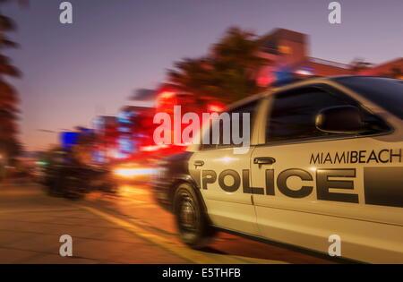 Quartier art déco, Ocean Drive, à South Beach, Miami Beach, Floride, États-Unis d'Amérique, Amérique du Nord Banque D'Images