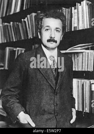 ALBERT EINSTEIN (1879-1955) physicien théorique né en Allemagne en 1905 Banque D'Images