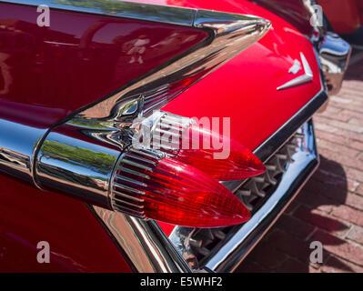 Les feux arrière et les ailerons de 1959 Cadillac Eldorado rouge voiture classiques antiques, USA