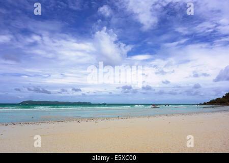 La plage de Koh Larn.