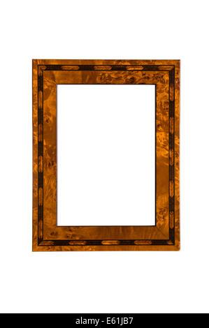 Cadre photo en bois. Vide et isolé sur un fond blanc.