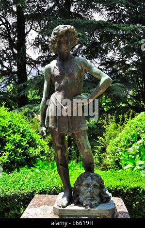Statue de David à la tête de Goliath dans les jardins de Villa Cimbrone, Ravello, Italie