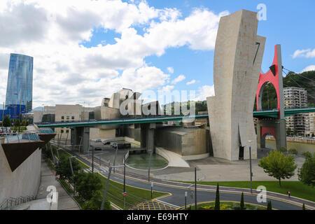 BILBAO, ESPAGNE - 10 juillet 2014: Musée Guggenheim dans le centre de Bilbao, Pays Basque, Espagne, créé par l'architecte Banque D'Images