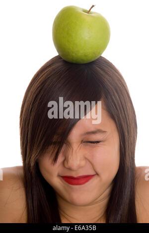 Girl,équilibre,apple Banque D'Images