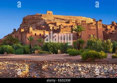 Les bâtiments d'Adobe de la Ksar berbère ou village fortifié d'Ait Benhaddou, Marrakech-tensift-Al Haouz, Maroc Banque D'Images