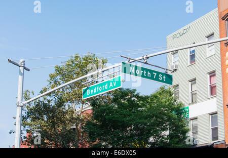 Les plaques de rue Bedford et North 7th St. Williamsburg, Brooklyn. New York City, USA Banque D'Images