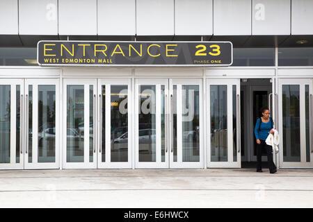 23 d'entrée de l'immense centre commercial de West Edmonton Banque D'Images