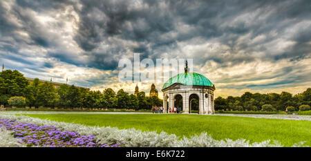 Hofgarten avec le Temple de Diane et l'Theatine Church, HDR, Munich, Haute-Bavière, Bavière, Allemagne Banque D'Images