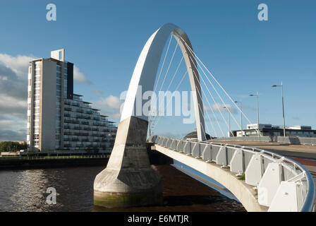 Clyde Arc Pont sur la rivière Clyde Glasgow
