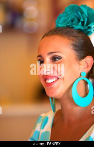 Habillé traditionnellement féminin espagnol, Jerez de la Frontera, province de Cadiz, Andalousie, Espagne, Europe Banque D'Images