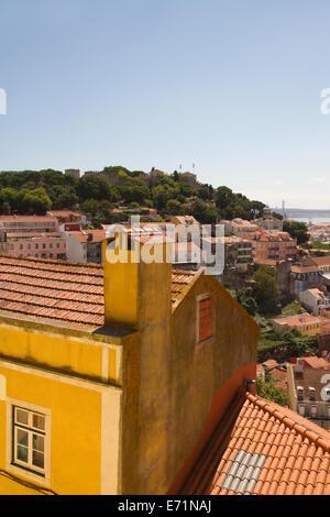 Vue sur St George's Castle de du Miradouro Sophia de Mello Banque D'Images