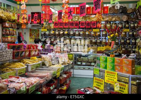 L'intérieur du magasin dans le quartier chinois, San Francisco ...