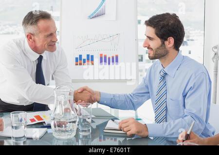 L'homme d'affaires l'introduction de nouvel employé Banque D'Images