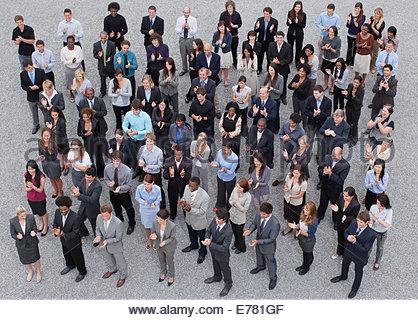 Foule de gens d'affaires clapping Banque D'Images