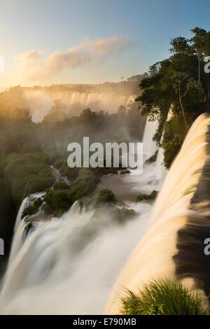 À l'aube d'Iguazu, Argentine Banque D'Images
