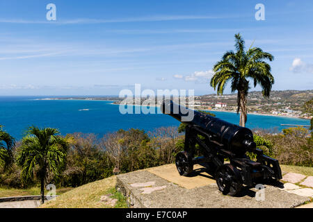 Avis de Scarborough, la capitale de Tobago à partir de Fort King George. Banque D'Images
