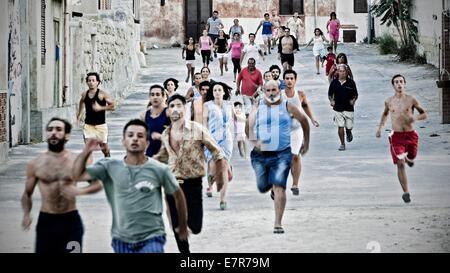 Via Castellana Bandiera une rue à Palerme Année: 2013 Italie / Suisse / France Réalisation: Emma Dante Banque D'Images