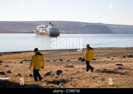MS Fram visites l'original de l'entente avec les Inuits de Thulé, au Groenland, l'Arctique Banque D'Images