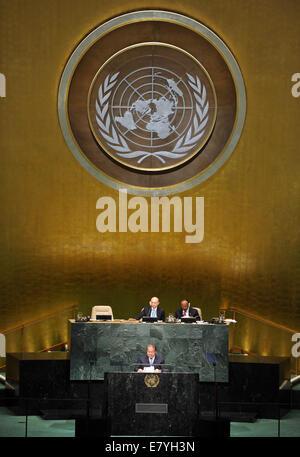 New York, siège des Nations Unies à New York. 26 Sep, 2014. Le Premier Ministre du Pakistan Muhammad Nawaz Sharif prend la parole lors du débat général de la 69e session de l'Assemblée générale des Nations Unies, au siège des Nations Unies à New York, le 26 septembre, 2014. Credit: Wang Lei/Xinhua/Alamy Live News