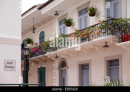 Destination et attractions touristiques scenics. Voir d'pictouresque street de Casco Antiguo, Panama City Banque D'Images