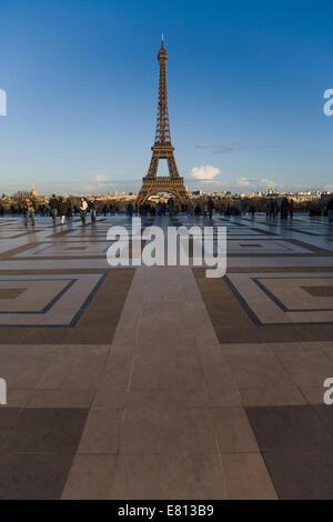 France, Paris (75), la Tour Eiffel vue du Trocadéro Banque D'Images