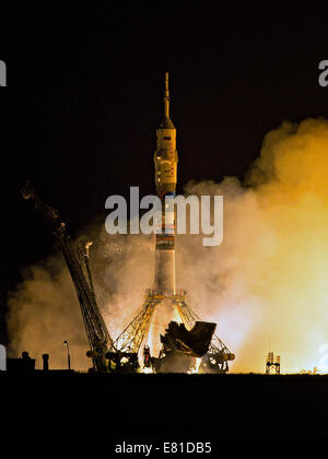 Le lanceur russe Soyouz TMA-14M lance roquette à la Station spatiale internationale expédition transportant 41 Septembre Banque D'Images