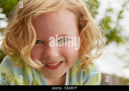 Close close up portrait of cute girl Banque D'Images