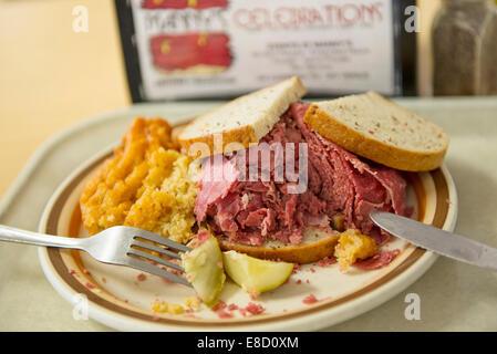 Le corned-beef sandwich à Manny's Coffee Shop à Chicago Banque D'Images