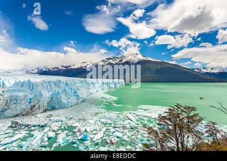 Le glacier Perito Moreno dans le Parc National Los Glaciares, en Argentine. Banque D'Images