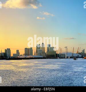 Royaume-uni, Angleterre, Londres, Canary Wharf, au lever du soleil Banque D'Images