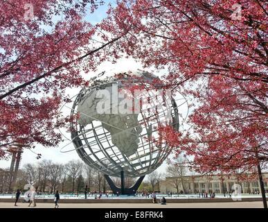 USA, l'État de New York, New York City, Queens, Flushing Meadows Park, vue de l'Unisphere Banque D'Images