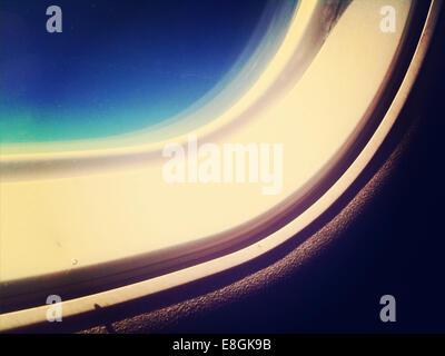 La partie de la fenêtre en cabine de l'avion