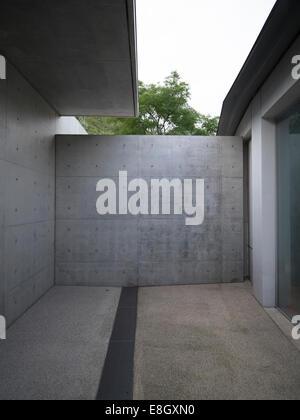 L'architecture de Tadao Ando dans espace boutique à Benesse Art Site Naoshima, Japon Banque D'Images