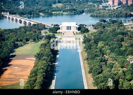 WASHINGTON DC, USA - un portrait du Lincoln Memorial et une partie de l'un miroir d'eau ainsi que l'Arlington Memorial Banque D'Images
