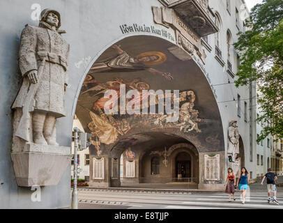 La porte des héros à Szeged, dans le sud de Grande Plaine hongroise, la région de Csongrad, Hongrie Banque D'Images