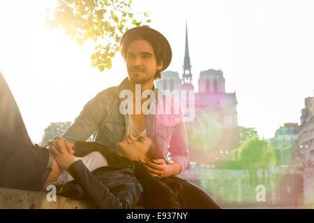 Couple à Paris Banque D'Images