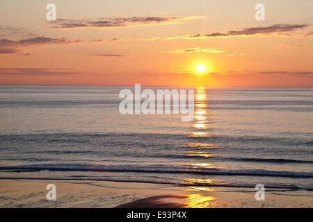 Lever du soleil à Nauset Beach Banque D'Images