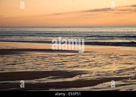 Nauset Beach au lever du soleil Banque D'Images
