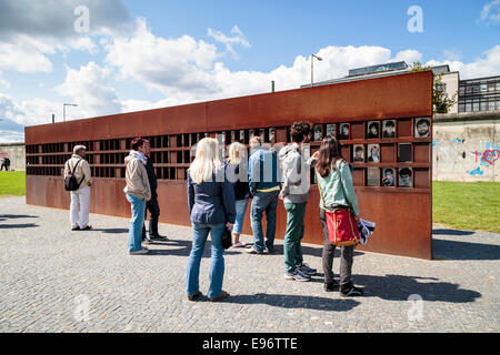 De la fenêtre du Souvenir, Mémorial du Mur de Berlin, Mitte, Berlin. Commémore ceux qui sont morts en tentant d'échapper Banque D'Images