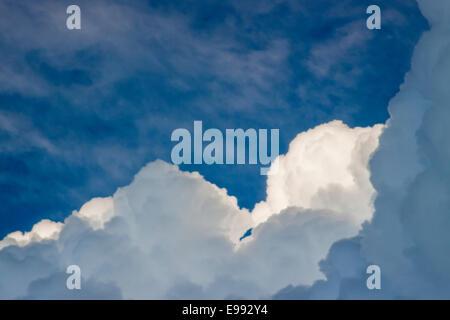 Portrait de l'Europe avec des paysages évocateurs de nuages. L'Europe du Nord, ciel Banque D'Images
