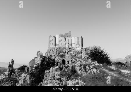 """Le fantastique """"Rocca Calascio' château l'un des plus élevés des châteaux en Italie situé dans le Parc National Banque D'Images"""